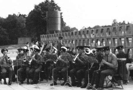 Bilder aus dem alten Senftenberg: Mit Musik am Großkoschener Strand