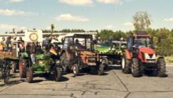 Traktoren und Lampions in Schmogrow