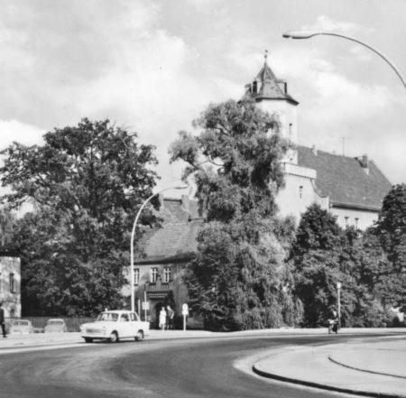 """Bilder aus dem alten Spremberg: Das Schloss und das beliebte """"Kreisi"""""""