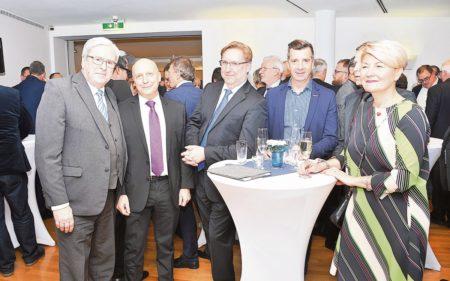 Zum Neujahr Optimismus und Fragezeichen in Cottbus