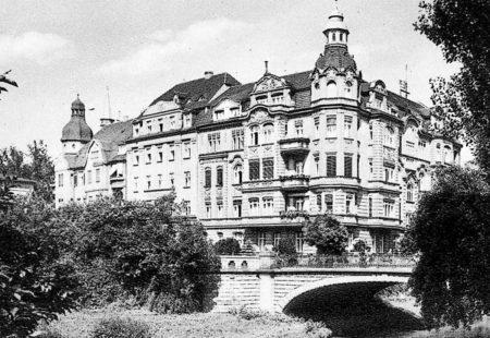 Bilder aus der alten Neißestadt Guben: Wer baute das Gubener Parkhotel?