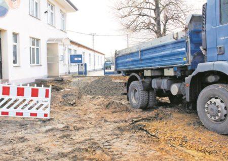 Baubeginn an Senftenberger Sportplatz