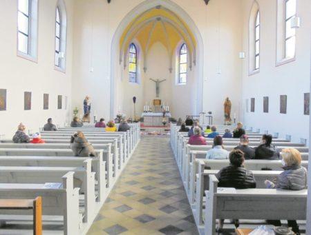 Ostersegen in Forster Herz-Jesu-Kirche