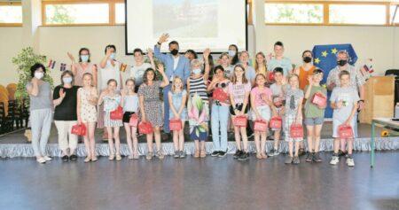 Kinderparlament der Nevoigt Grundschule präsentiert Umfrageergebnisse