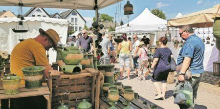 Markttreiben in Burg