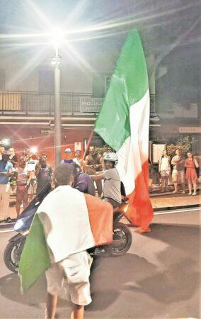 Italien gewinnt Herzschlagfinale