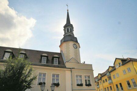 Freude über sanierten Rathausturm