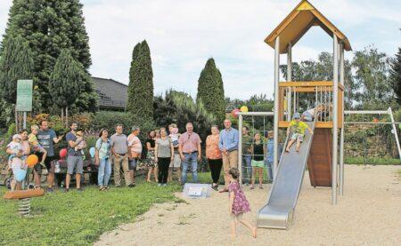 Neuer Spielplatz in Kleinkoschen fertiggestellt
