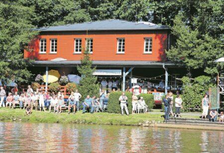 Spremberger Kanuten feiern Sommerfest und Tag der offenen Tür im Bootshaus